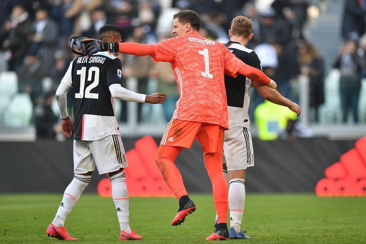 Alex cùng các đồng đội tại CLB Juventus