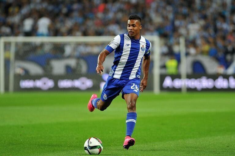 Alex Sandro lúc chơi bóng cho FC Porto